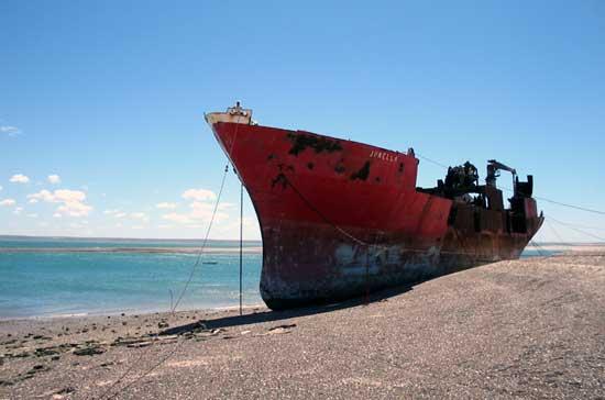 barco en San Antonio Oeste